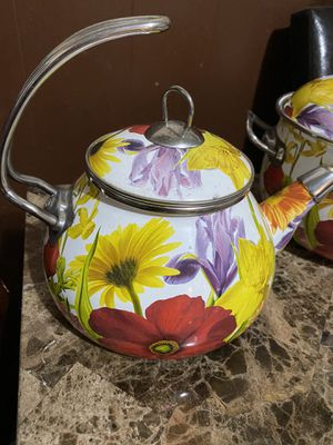 Tea pot and cookware like new excellent condition for Sale in Worcester, MA