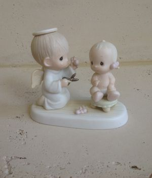 Precious Moments BABY'S FIRST HAIRCUT 1984 Enesco Imports Corp. 12211 for Sale in Sacramento, CA