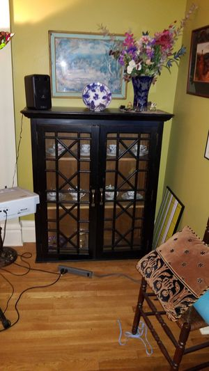 Display cabinet (wood) for Sale in Columbus, OH