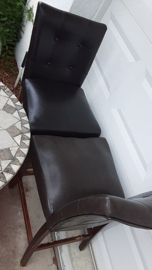 2 leather bar stools with espresso brown wooden legs for Sale in Deltona, FL
