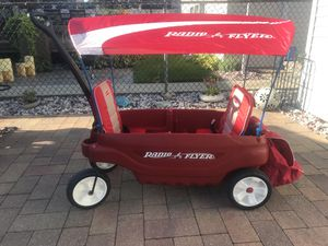 Radio Flyer with canopy for Sale in Chicago, IL