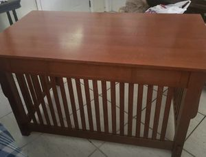 OBO Vintage Desk excellent condition. Velvet lined drawers with custom built pen/pencil organizer for Sale in Miami, FL