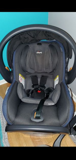Chicco fit2 infant carseat w/ 2 bases car seat for Sale in Des Moines, WA