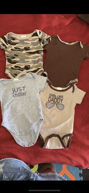 BABY CLOTHES 0-3 months LIKE NEW!! for Sale in Miami, FL