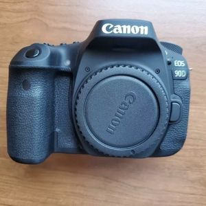 Canon Eos 90d 32mp Dslr Camera Body Only for Sale in Katy, TX