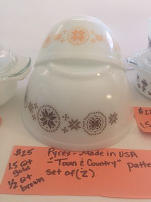 Pair of Pyrex bowls — Town and Country pattern for Sale in Burleson, TX