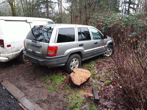 Parts 2000 jeep Grand Cherokee and a Early 80s Dodge van with 2300 miles on the motor slant 6 no titles for Sale in Washougal, WA