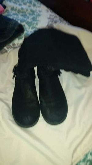 Girls- black boots-size 4 for Sale in Fuquay-Varina, NC