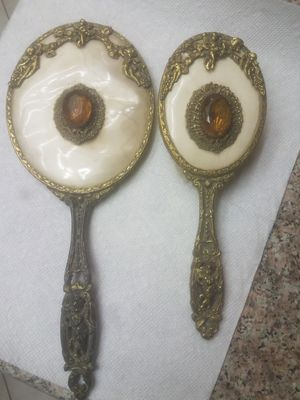 Antique mirror and brush dresser set for Sale in Hesperia, CA