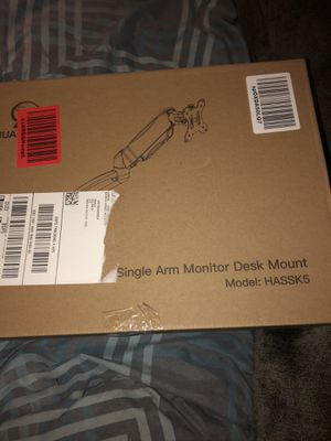 Single arm desk monitor brand new never used order it thinking it was a tv mount for Sale in Niagara Falls, NY
