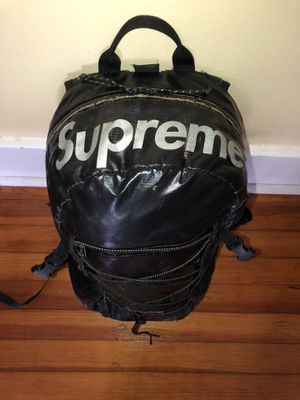 Supreme Fw17 bag for Sale in Silver Spring, MD