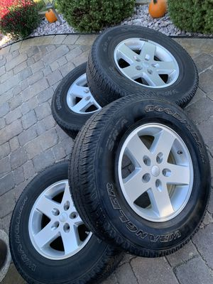 Jeep wheels wrangler for Sale in Oak Lawn, IL