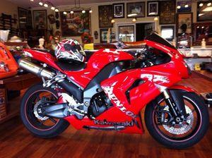 2007 Kawasaki ZX10R motorcycle for Sale in Tamarac, FL