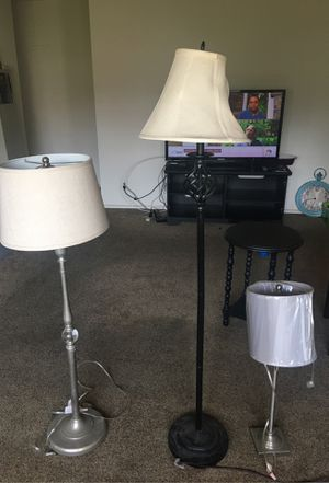 Beautiful 3 sets of lamp tall and one mini for Sale in San Fernando, CA