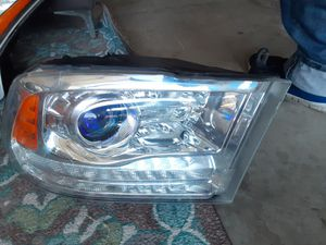 Dodge Ram right headlight 2015-2017 for Sale in Wilmington, CA