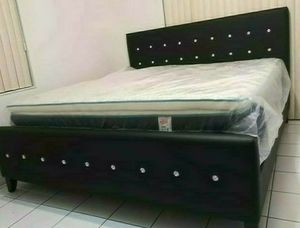 NEW BEAUTIFUL KING DIAMOND BED WITH MATTRESS AND BOX SPRING for Sale in Biscayne Park, FL