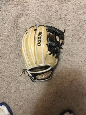 Wilson baseball glove for Sale in Longmont, CO