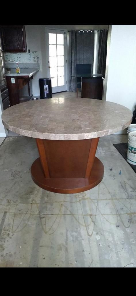 Round marble kitchen table (Best Offer)