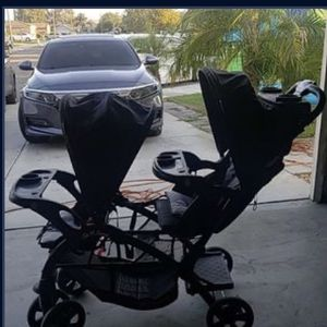 Double Stroller Good Condition Baby Trend for Sale in Fontana, CA