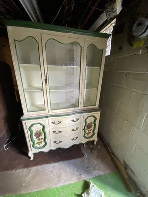Antique glass China cabinet by Bernhardt furniture company for Sale in Garrison, MD