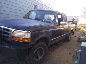Ford F150 4x4 short bed extended cab for Sale in Apple Valley, CA