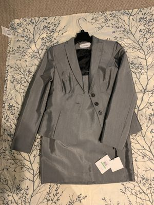 New/2pc skirt suit/Calvin Klein for Sale in Forest Heights, MD