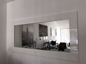 Modani Furniture Lanzo Mirror White for Sale in Doral, FL