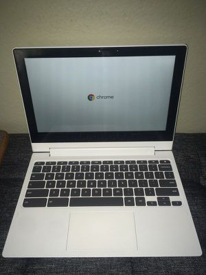 Excellent Condition Lenovo C330 Chromebook + Wireless Mouse + Carrying Case 2 for Sale in Irvine, CA