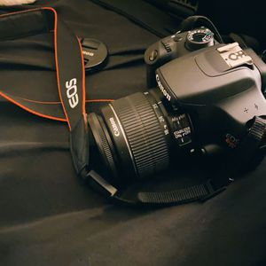Canon EOS Rebel T5 / EOS 1200D 18.0MP Digital SLR Camera - Black (Kit w/ EF-S... for Sale in Sacramento, CA