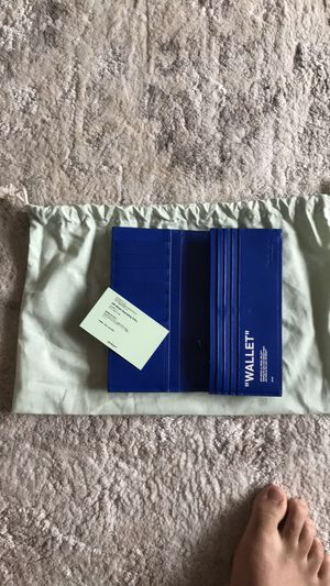 Off white long wallet for Sale in Houston, TX