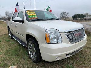 2012 GMC YUKON DENALI XL for Sale in Houston, TX