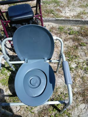 Portable toilet for Sale in Hudson, FL