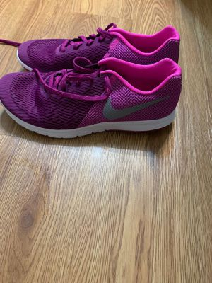 Nike brand new ladies shoes. for Sale in Houston, TX