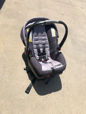 2017 Graco snugride 35 infant car seat for Sale in Anaheim, CA