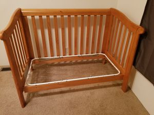 Baby crib/ toddler bed for Sale in Portland, OR