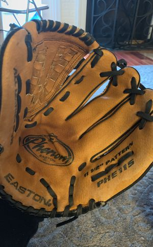 """Easton PHE115"""" Phenom Baseball Glove 11.5 Right Handed Thrower for Sale in North Potomac, MD"""