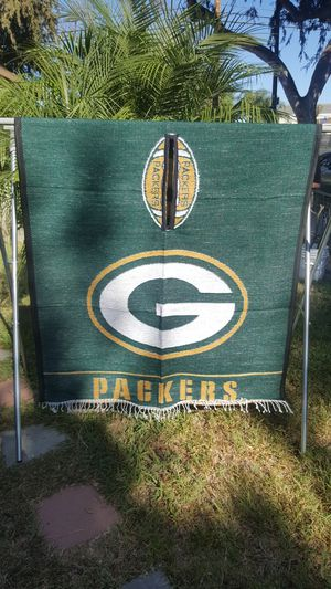 Green Bay Packers football poncho gaban thick like a blanket for Sale in Long Beach, CA
