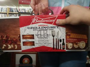 Collectible Budweiser Grill Set for Sale in Sunbury, OH