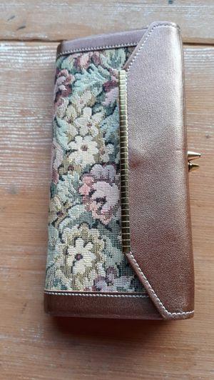 Vintage Noymer Coach Hide Leather Snap Tapestry Wallet for Sale in Sumner, WA