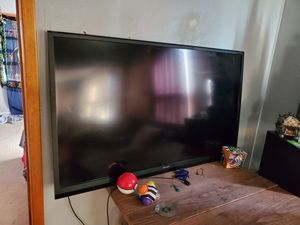 60 inch Smart tv. No stand or remote but has moveable wall mount attached. for Sale in Colorado Springs, CO