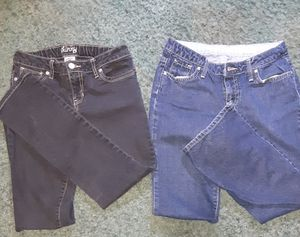 Girls size 10 Jeans, one pair is old navy the other is gap, good condition, one pair is skinny the other is bootcut for Sale in El Dorado, AR