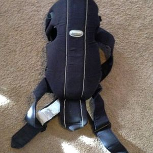 Baby bjorn Carrier for Sale in Boston, MA