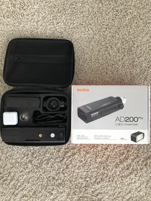 AD 200 Pro Pocket Flash for Sale in Charlotte, NC