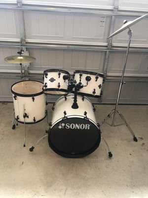 Sonor smart force drum set ! Snare drum comes with it for Sale in UPR MARLBORO, MD