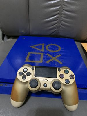 PS4 Slim Days of Play Edition Blue for Sale in Victorville, CA