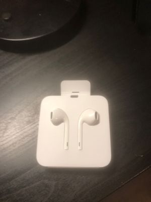 apple earbuds for Sale in Escondido, CA