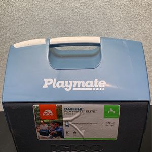 Igloo Maxcold Playmate Elite Cooler 16 Quart 15 Liters for Sale in Grayson, GA