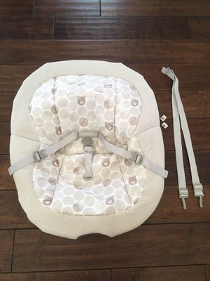 Graco Baby Swing Cover Cushion with straps for Sale in Hesperia, CA