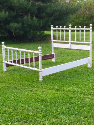 VTG Shabby Chic Cottage Faux Brass Painted Wood Full Size Bedframe Bed Frame for Sale in Palatine Bridge, NY