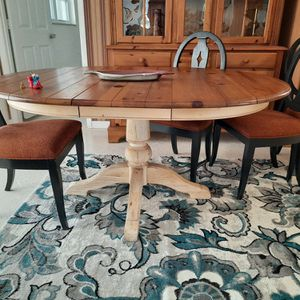 Ethan Allen Dining Table and Hutch for Sale in Port Charlotte, FL